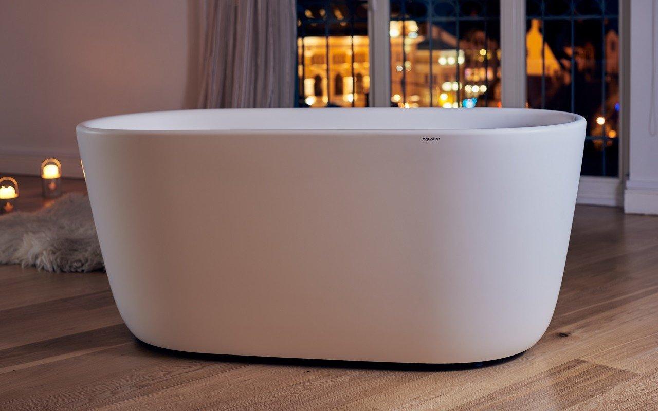 Lullaby-Mini-Wht par Aquatica® – Petite baignoire autoportante en pierre picture № 0