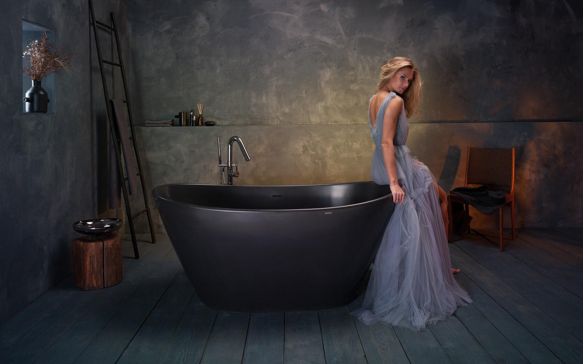 purescape 748 bm par aquatica baignoire autoportante en pierre en noir. Black Bedroom Furniture Sets. Home Design Ideas
